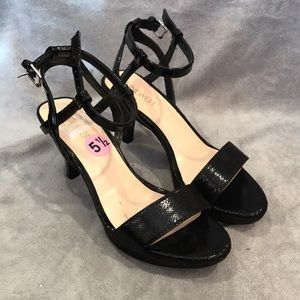 Cross-strap Platform Open-toe Heels